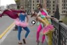 Video: Dress-up fun in Baku (Azerbaijan)