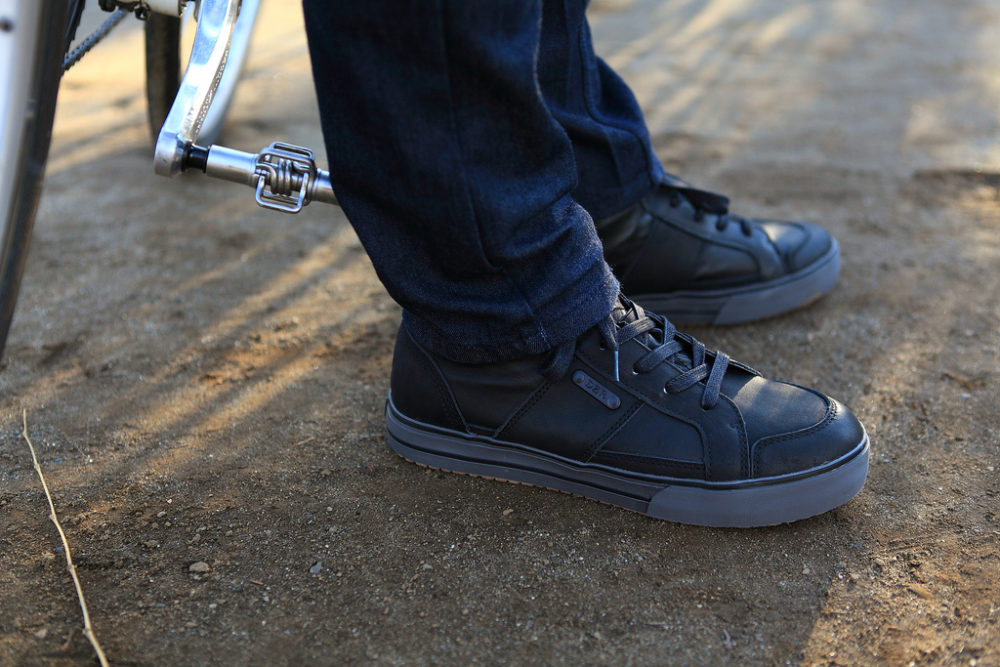 10 stylish spd cycling shoes which look casual not sporty